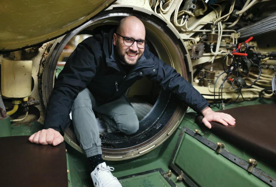 Visita al mini sottomarino della Marina Militare Jugoslava al museo di storia militare di Pivka