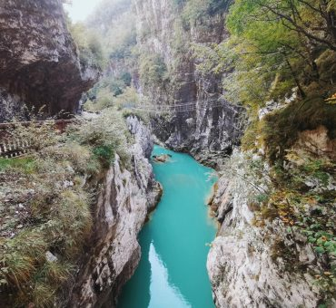 Barcis: il Ponte Tibetano e la vecchia strada della Valcellina